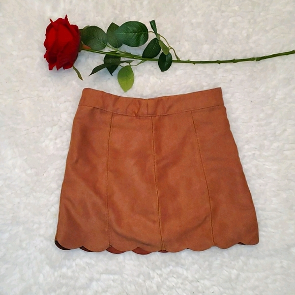 Girls 5 T Suede skirt